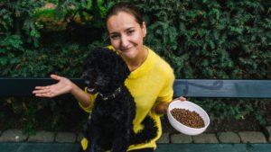 hundeejer har kræsen hund og ved ikke hvad hun skal gøre